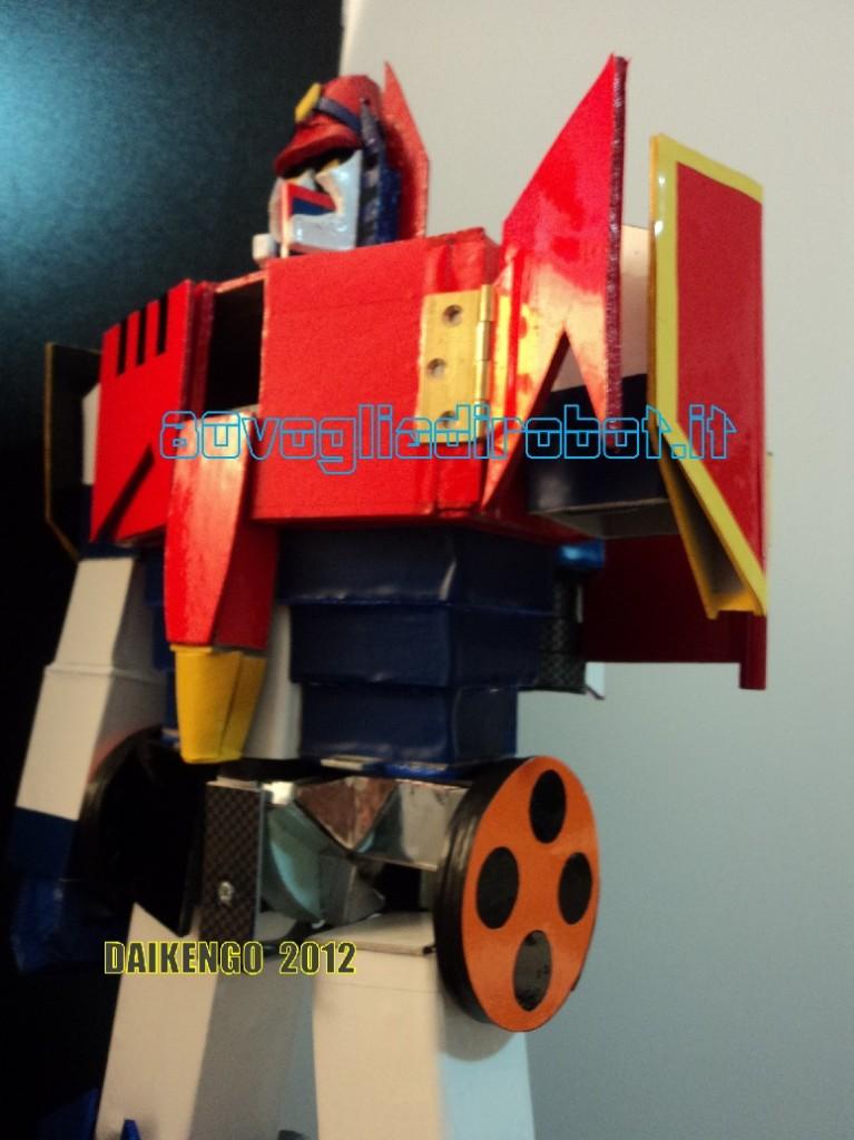 Daikengo robot-fatti-a-mano