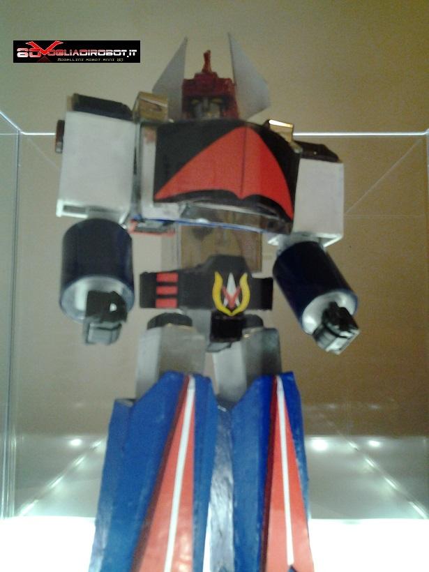 danguard-modellino-80vogliadirobot-tre-quarti-sotto-2